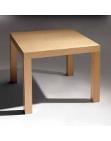 Mesa cuadrada de madera