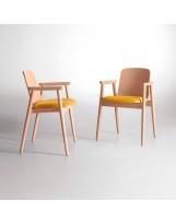 Silla de madera de diseño