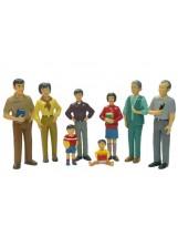 Familia asiática 8 figuras plástico