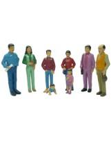 Familia latinoamericana 8 figuras plástico