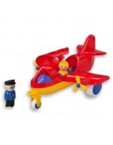 Avión de pasajeros con 2 personajes